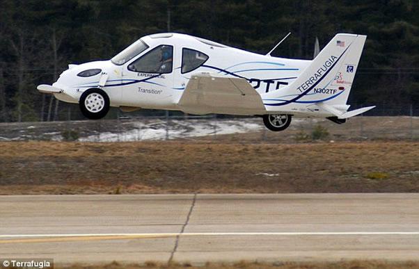 Primer auto volador aprobado en el mundo! Terrafugia-auto-volador